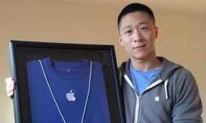 Sam Sung đấu giá thẻ nhân viên Apple trên eBay