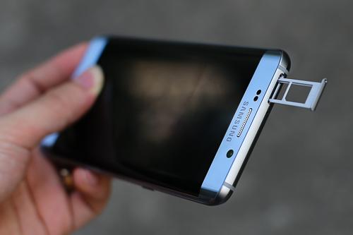 nhung-smartphone-cao-cap-ho-tro-2-sim-1