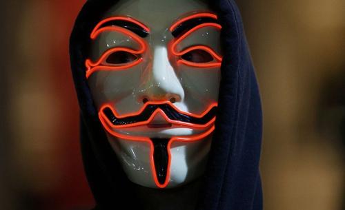 anonymous-ra-thong-bao-thu-hai-danh-sap-20000-tai-khoan-is