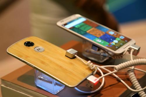 motorola-ra-smartphone-android-vo-tre-o-viet-nam-1