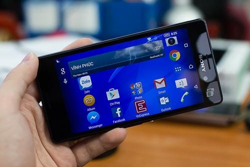 7-smartphone-tam-trung-noi-bat-nam-2015-4
