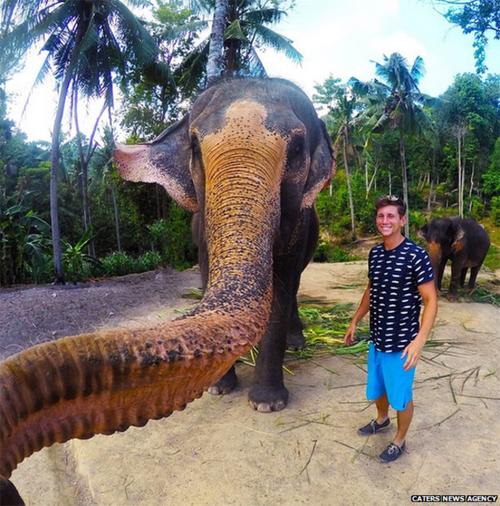 nhung-khoanh-khac-selfie-kho-do-nam-2015-6