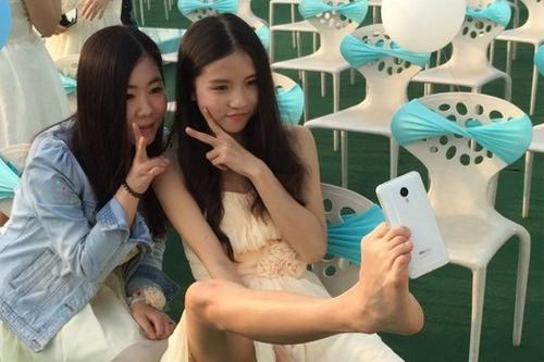 nhung-khoanh-khac-selfie-kho-do-nam-2015-5