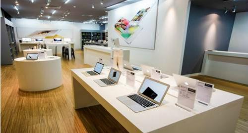 iêu thị V Store với tất cả trang thiết bị được nhập từ nước ngoài theo quy chuẩn nghiêm ngặt của Apple