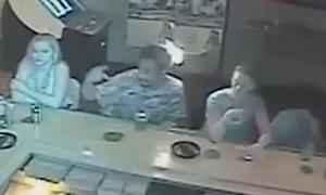 Video chồng phát cáu vì bị vợ đốt tóc gây chú ý Internet tuần qua