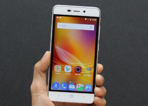 5-smartphone-gia-re-pin-khoe-moi-ra-mat-3