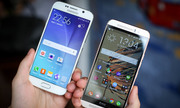 Smartphone cao cấp bán chậm