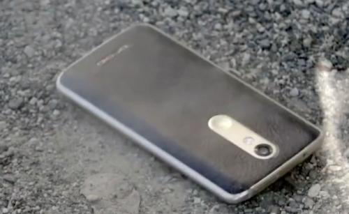 Smartphone màn hình không thể vỡ của Motorola