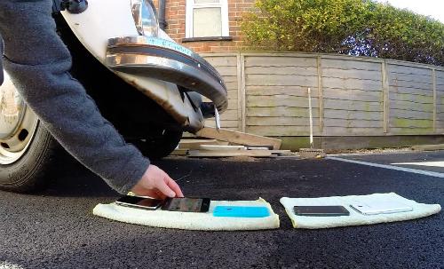 Dùng iPhone và Galaxy Note lót đường cho ôtô