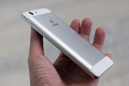 Gionee M5 có thiết kế ổn so với những chiếc smartphone pin khủng hay Android có giá dưới 3 triệu đồng khác.