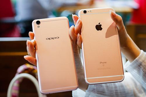 Phong cách thiết kế cũng như màu sắc của F1 Plus gợi nhớ đến iPhone 6s Plus của Apple.