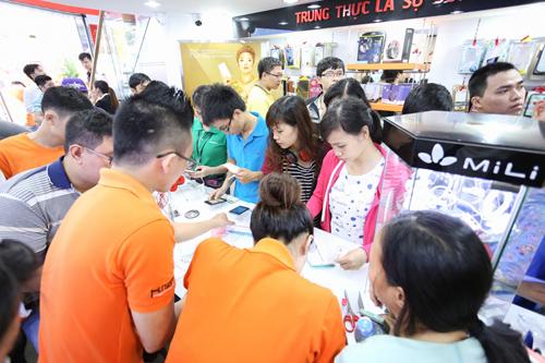 iphone-chinh-hang-giam-den-4-9-trieu-dong-2