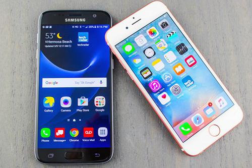 doanh-so-smartphone-samsung-tang-manh-iphone-giam-nhieu