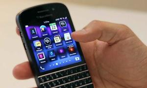Chọn BlackBerry Q10 hay Classic?