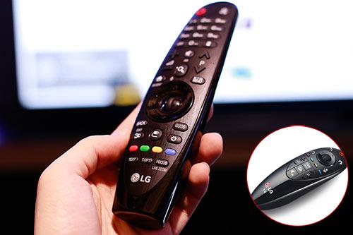 Điểu khiển Magic Remote mới cho thao tác thuận tiện hơn điều khiển cũ.