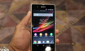 Chọn Samsung J3 Pro hay Sony Xperia Z?