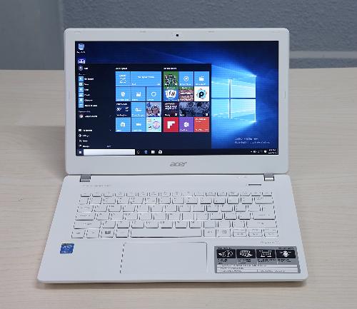 mau-laptop-tam-10-trieu-dong-gon-nhe-cho-dan-van-phong-1