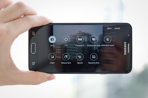 galaxy-j7-prime-smartphone-vo-kim-loai-gia-tot-3