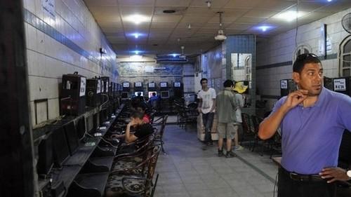 Cơ sở vật chất của một quán net tại trung tâm thủ đô Cairo cũng chỉ ngang với một quán net cỏ ở ngoại thành Hà Nội.