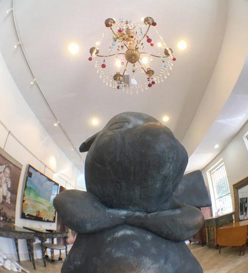 tuong-pikachu-khong-lo-duoc-ban-voi-gia-2000-usd