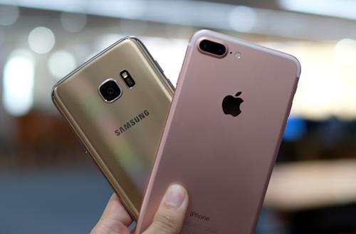 iphone-7-plus-do-camera-giau-mat-voi-galaxy-s7-edge