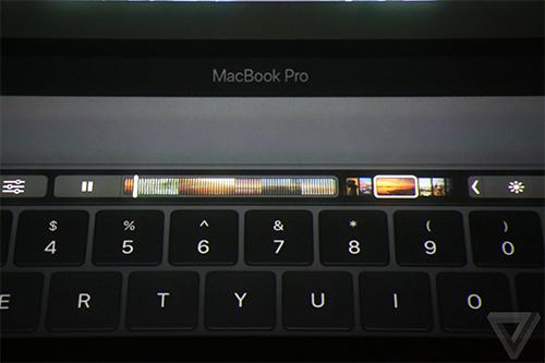 apple-trinh-lang-macbook-pro-thiet-ke-hoan-toan-moi-1