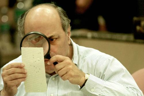 Thẻ đục lỗ là nguyên nhân gây ra sự hỗn loạn trong cuộc bầu cử năm 2000.