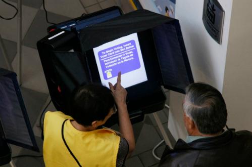 Máy bỏ phiếu điện tử.