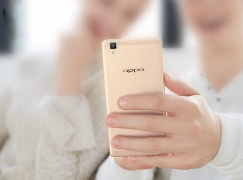 10-smartphone-noi-bat-vao-chung-ket-tech-awards-2015-6