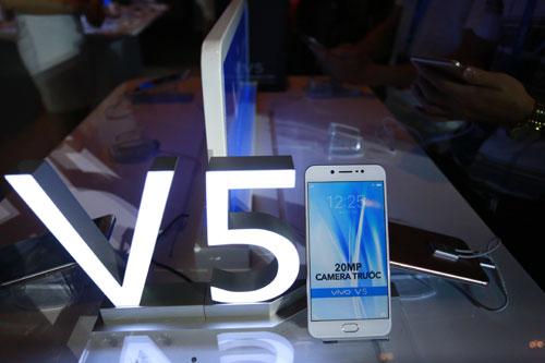 ra-mat-vivo-v5-smartphone-co-camera-truoc-20-megapixel-17