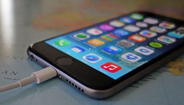 nguoi-dung-than-pin-iphone-kem-sau-khi-len-ios-1011