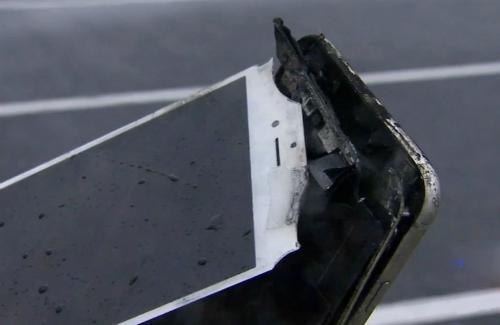 Công ty công nghệ Mỹ cho rằng một số chiếc iPhone có pin tiếp xúc nhiều với không khí vượt mức cho phép, khiến máy đột ngột tắt dù còn vài chục % pin.