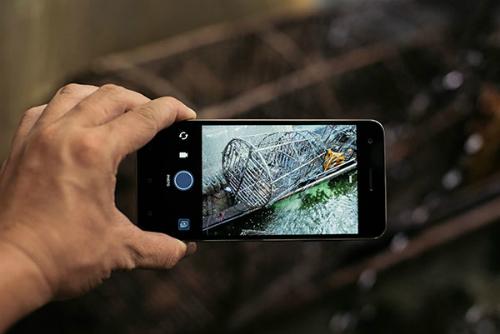 smartphone-tam-trung-cua-htc-trang-bi-ram-4gb-3