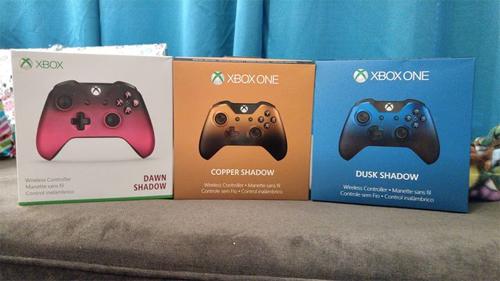Ba bản đặc biệt của tay cầm điều khiển Xbox One.