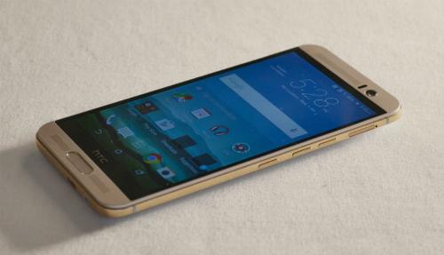 nhung-smartphone-giam-gia-manh-dip-cuoi-nam-1