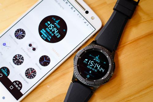 Gear S3 có thể ghép nối với điện thoại Android bất kỳ, miễn là chạy Android từ 4.4 trở lên và có dung lượng RAM lớn hơn 1,5GB.