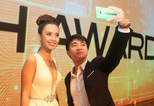 bat-dau-du-doan-hang-doat-nhieu-giai-thuong-nhat-tech-awards