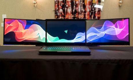 hai-laptop-3-man-hinh-4k-bi-trom-tai-ces-2017