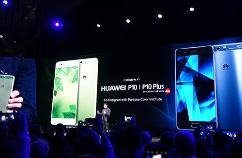huawei-gioi-thieu-p10-dem-iphone-7-plus-vao-trong-p9-1