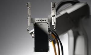 Liam - kẻ phá hủy iPhone của Apple