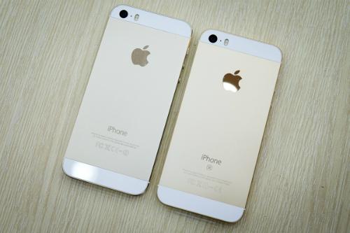 iPhone SE giống hệt iPhone 5s về thiết kế, khác biệt chủ yếu ở cấu hình và camera.