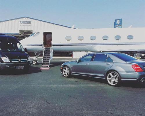 Giữa tháng 5, rapper Bow Wow chia sẻ bức ảnh trên Instagram với ngụ ý rằng anh chuẩn bị di chuyển bằng máy bay riêng.