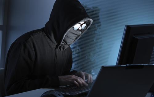 vi-sao-hacker-thich-mac-ao-trum-dau-ngoi-trong-bong-toi