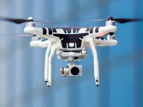 tu-nhan-my-dung-drone-chuyen-do-vao-nguc