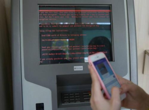 Nhiều ngân hàng, máy ATM cho tới nhà ga, sân bay ở Ukraine phải tạm ngưng hoạt động vì máy tính bị tấn công, mã hoá dữ liệu bởi loại virus mới.