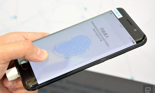 Apple bị 'vượt mặt' công nghệ cảm biến vân tay siêu âm