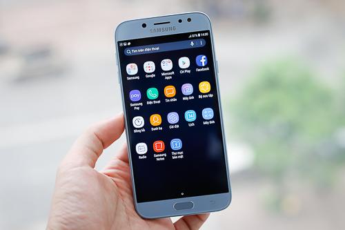 Hệ điều hành Android 7 cùng với giao diện, tính năng kế thừa từ Galaxy S8 là ưu điểm, dù model này có cấu hình không mạnh.