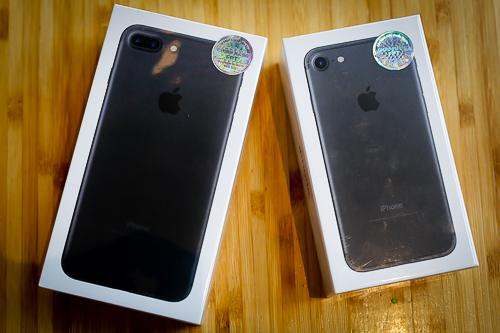 iPhone 7 và 7 Plus nhiều nơi giảm giá, dẫn đến việc chệnh lệch giá giữa các cửa hàng có thể lên tới vài triệu đồng.