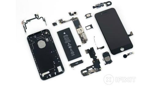 iFixit thường xuyên mổ iPhone.