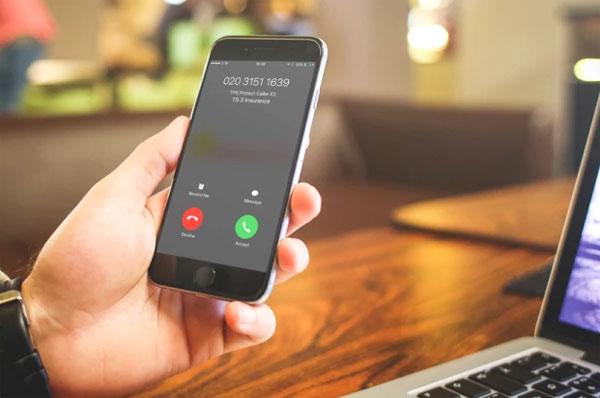 iphone-8-gap-loi-kho-chiu-khi-goi-dien